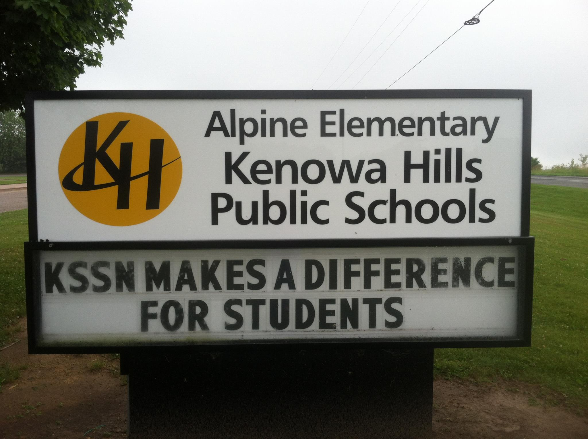 Alpine Elementary's sign that reads KSSN Makes a Difference for Students